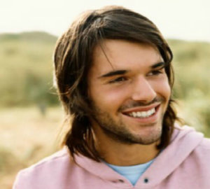 4 simple long hair tips for men
