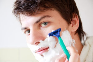 How to treat razor burns in men?