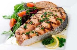 Role of protein from fish and meat in men's age