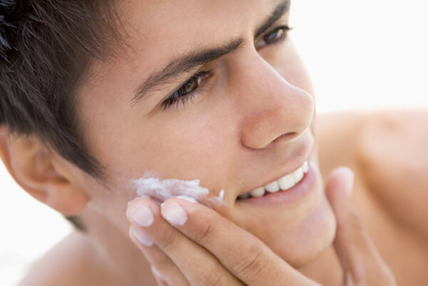 How to deal with dry face in the summer?