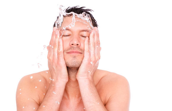 Best face wash for oily skin for men