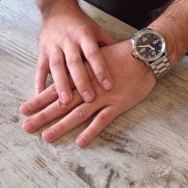 how-to-manicure-men-nails-5