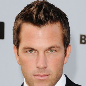 Hairstyles and Cuts for Men with Receding Hairlines