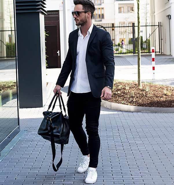 Tips on What to Wear with Men's Black Jeans